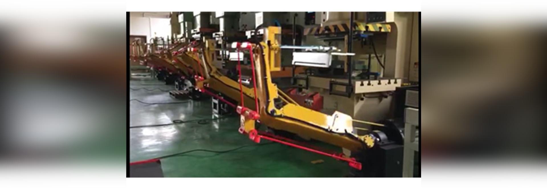 iDEABOX 3 dans le robot d'autobus et la chaîne de production