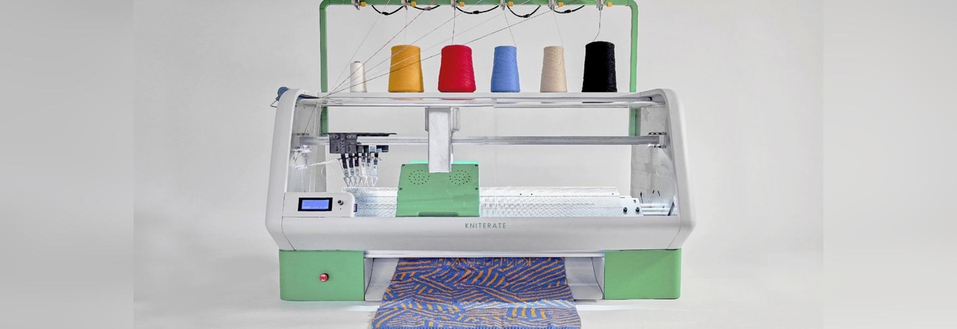 Une machine à tricoter de New Digital