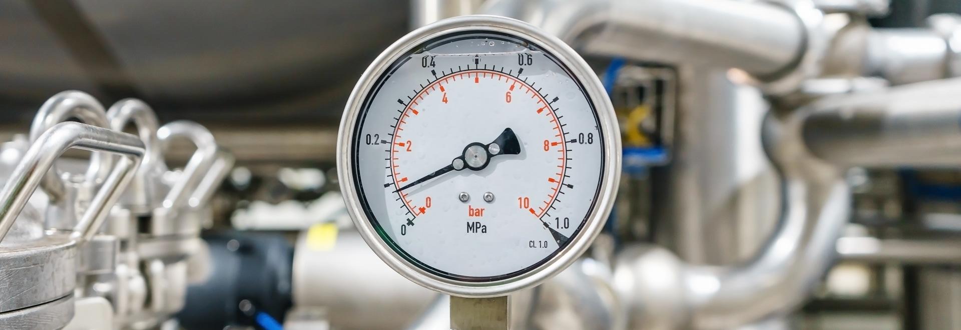 Pompes à piston de basculage pour le système pneumatique intégré