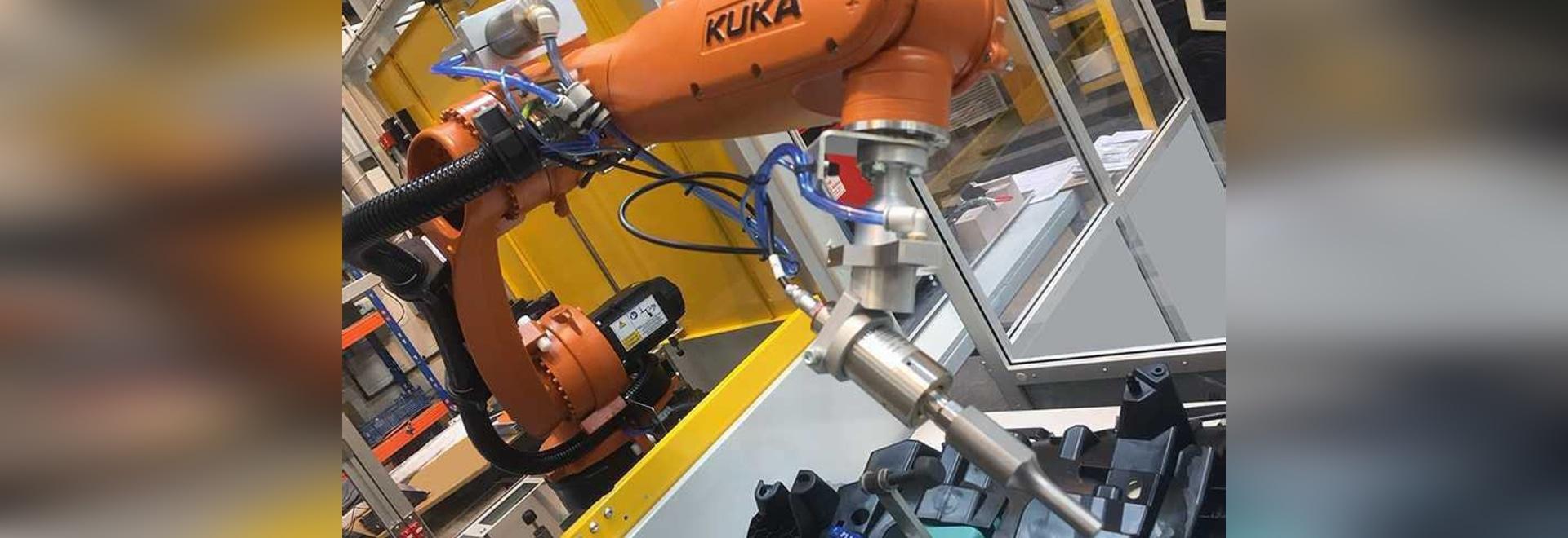 Ultrasons montés par robot