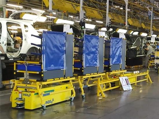 Peugeot a choisi les INDEVA® AGV pour ses lignes d'assemblage