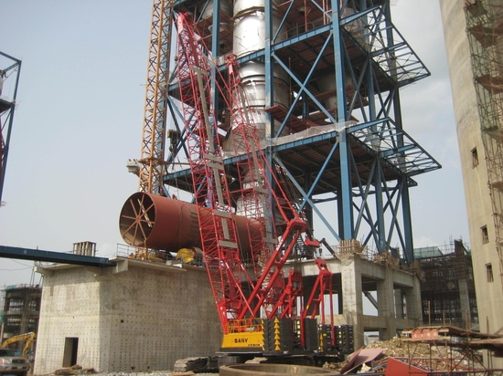 Grues de chenille de SANY SCC500 50t construisant l'usine de ciment de Dangote du Nigéria