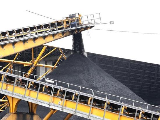 Le Vietnam considère ouvrir le marché charbonnier