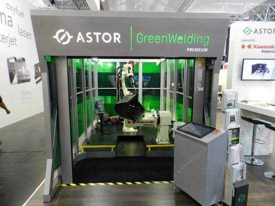 Cellule de soudure par Kawasaki Partner ASTOR chez Schweißen et Schneiden 2017