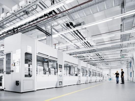 Cellules de production de valve d'usine de technologie, courtoisie de Festo