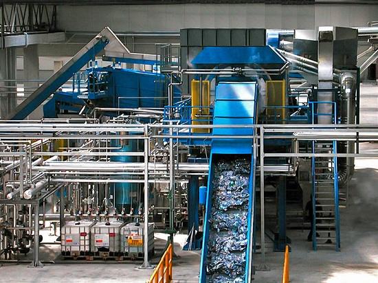 Les pompes de Bredel fournissent l'amélioration de 25% pour traiter à temps de bon fonctionnement et pour contribuer aux émissions de CO2 réduites à l'usine organique italienne de recyclage des déc...