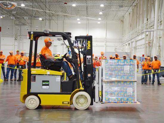 Fabrication d'aliment pour animaux familiers de Nestle Purina et installation de distribution, Hartwell, la Géorgie, USA