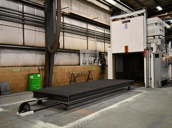Oven Heat Treats Aluminum Parts de plain-pied