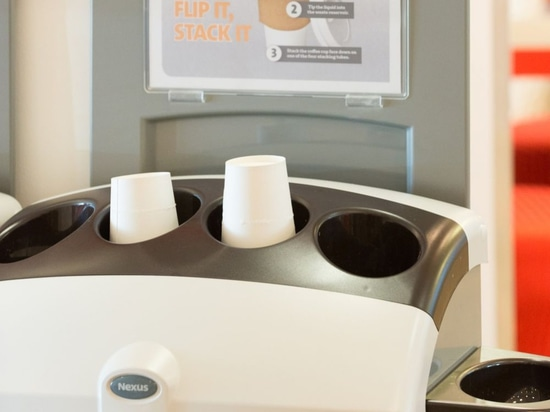 Veolia pour réutiliser des tasses de café de 120m pendant l'année prochaine BRITANNIQUE