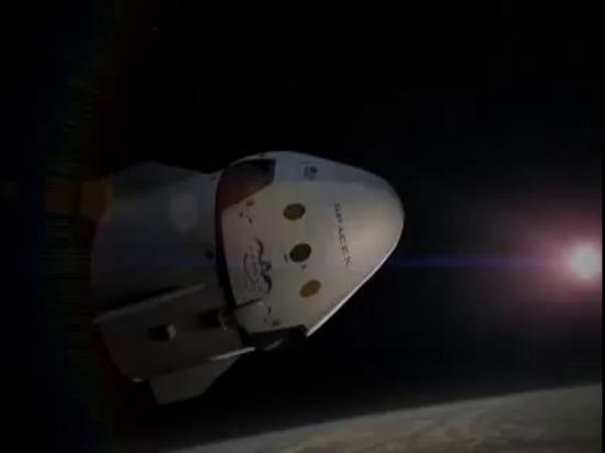 Dragon V2 de SpaceX   Animation de vol