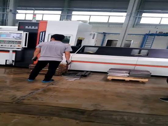 Machine de découpe au laser à fibre de tube en acier inoxydable de 1000w à 1000w