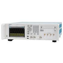 Générateur de fonctions arbitraires / à double canal / analogique / 1 canal