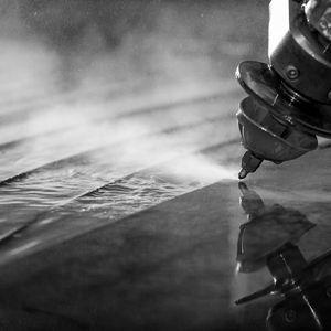 découpe au jet d'eau / aluminium / titane / acier