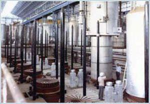 four de recuit / à cloche / électrique / sous atmosphère à 100% d'hydrogène