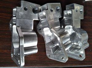moule d'injection plastique multi-empreintes / mono-empreinte / à canaux chauds / bi-matière