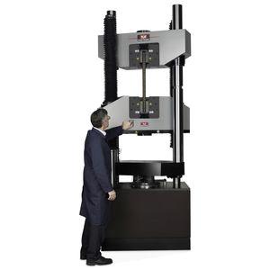 machine d'essai universelle