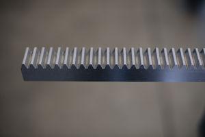 crémaillère à denture droite / de précision / rectifiée / trempé
