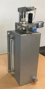 pompe de test / à main / pour applications haute pression / en acier inoxydable