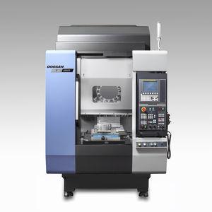 machine à tarauder CNC