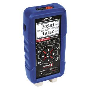calibrateur de pression / de température / multifonction / de tension