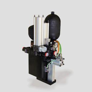 système d'entraînement hydraulique pour poinçonnage