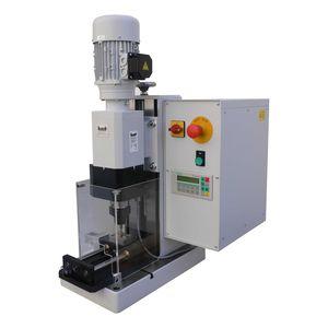 machine à riveter automatique / orbitale / de paillasse