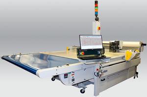 machine de découpe pour matériaux composites