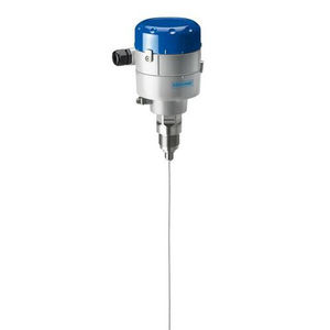 transmetteur de niveau radar / radar à ondes guidées TDR / pour solides / pour cuve