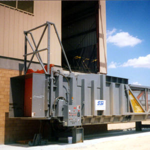 compacteur de déchets mélangé / stationnaire / pour station de transfert