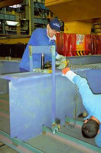 vérin hydraulique / à simple effet / à usage polyvalent