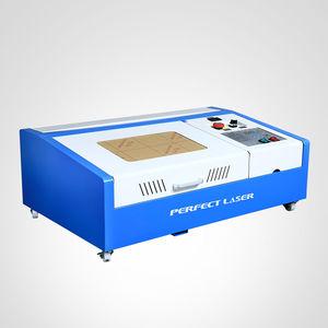 machine de gravure laser CO2