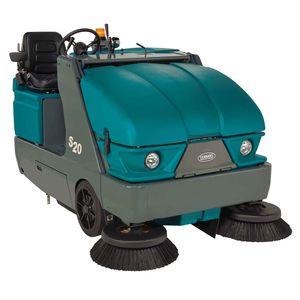 balayeuse autoportée / électrique sur batteries / diesel / compacte