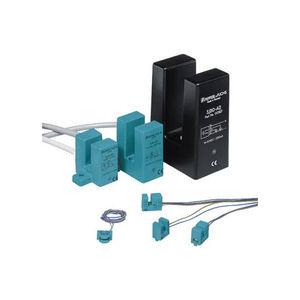 capteur de proximité inductif / à fente / en plastique
