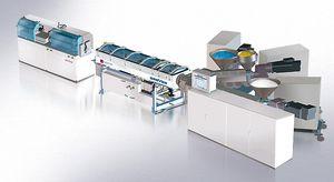 ligne d'extrusion pour tubes flexibles d'emballage de cosmétique / de tubes / pour PP / 7 couches
