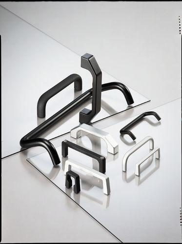 poignée étrier / pour porte / en aluminium / en U