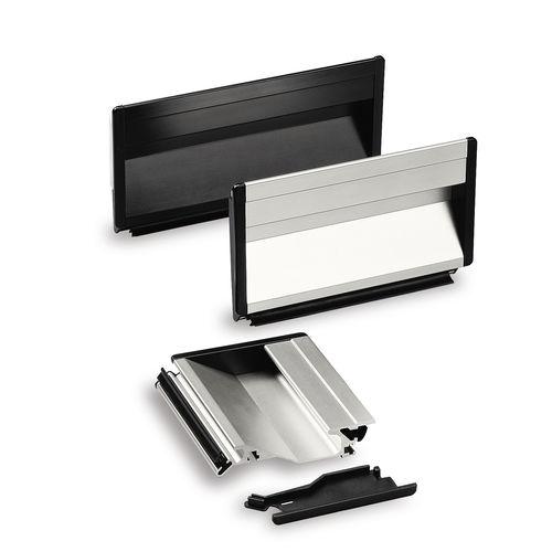 poignée fonctionnelle / en aluminium / rectangulaire / à encastrer