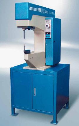 machine d'insertion d'écrous à sertir