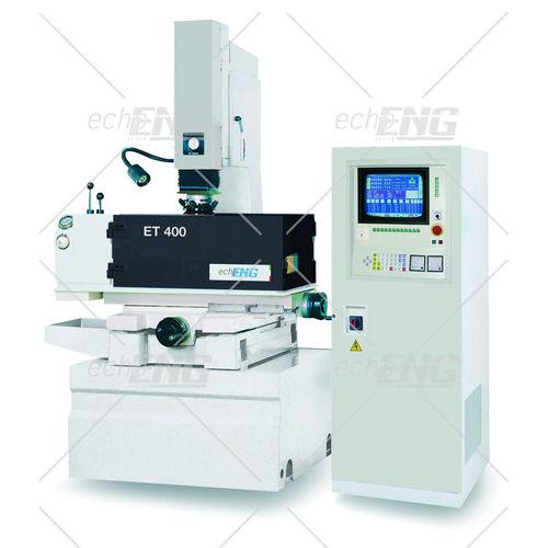 machine d'électroérosion par enfonçage / de précision