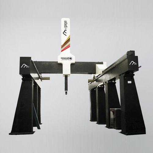 machine de mesure tridimensionnelle à pont