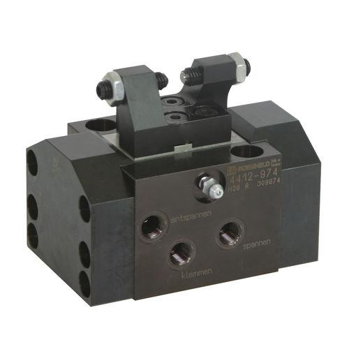 élément de serrage flottant / hydraulique / double effet / pour pièces à usiner
