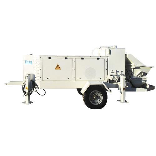 pompe à béton montée sur remorque / pour chantier / pour applications minières