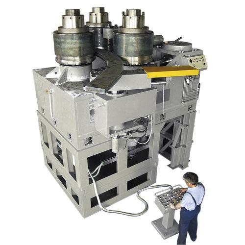 cintreuse hydraulique / motorisée / de profilés / horizontale