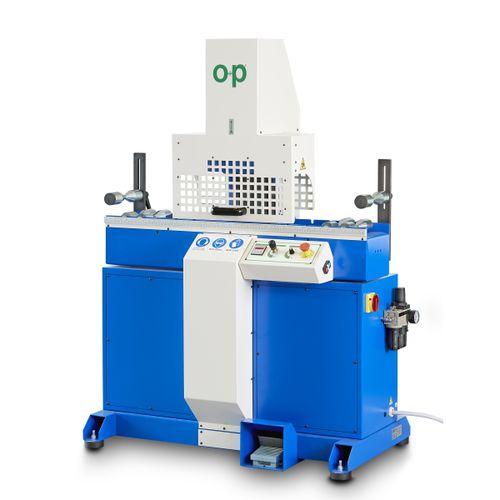 machine de découpe pour caoutchouc / à lame rotative / de tuyau flexible