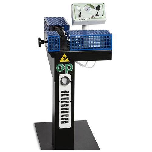 machine de préassemblage de raccords sur flexibles