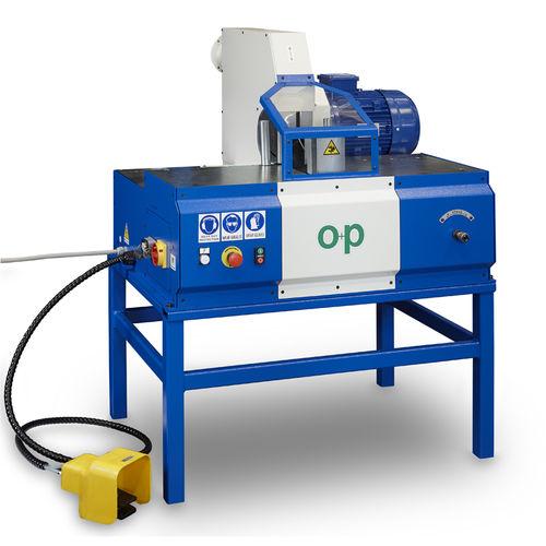 machine de découpe pour caoutchouc / à lame rotative / de tuyau flexible / à pied