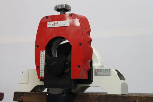 coupe-tube en métal / électrique