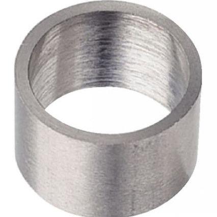entretoise en métal