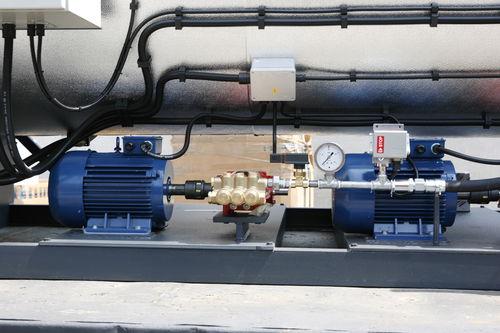 chaudière à vapeur / à gaz / à tubes d'eau / horizontale