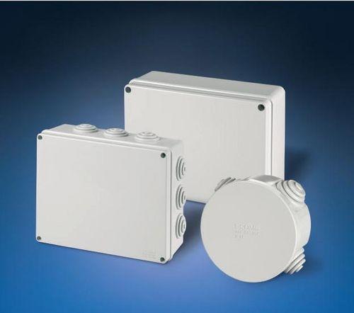 boîte de dérivation en saillie / sans halogène / résistante aux intempéries / en thermoplastique