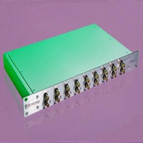 amplificateur de signal / de tension / de charge / conditionneur